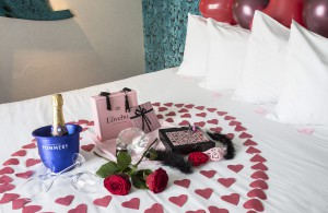 Romantic Packages - Five Hotel Paris